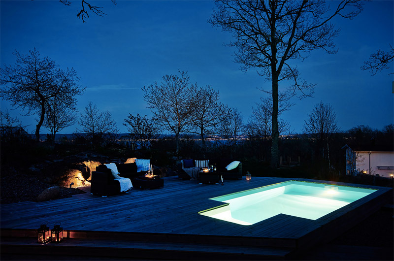 pool-terrace-by-night-lights