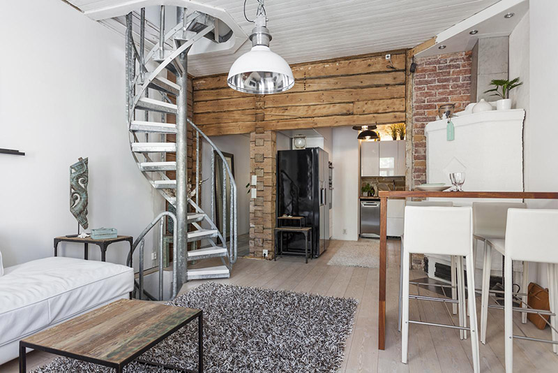 personal-apartment-in-old-wooden-house-4