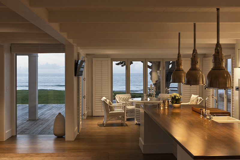 Beachfront House In New Zealand