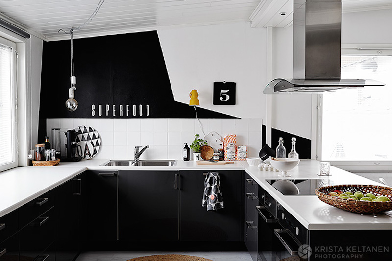 black-contrast-white-interiors-2