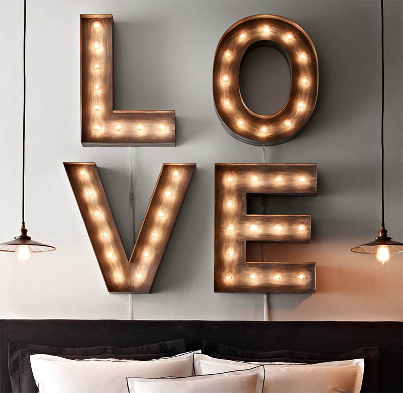 illuminated-marquee-letters-love
