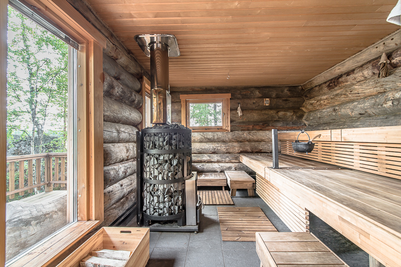 luxury-log-cabin-in-finland-15