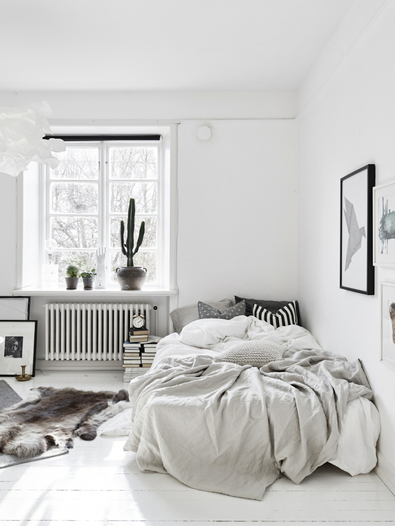 scandinavian style small apartment in stockholm. Black Bedroom Furniture Sets. Home Design Ideas