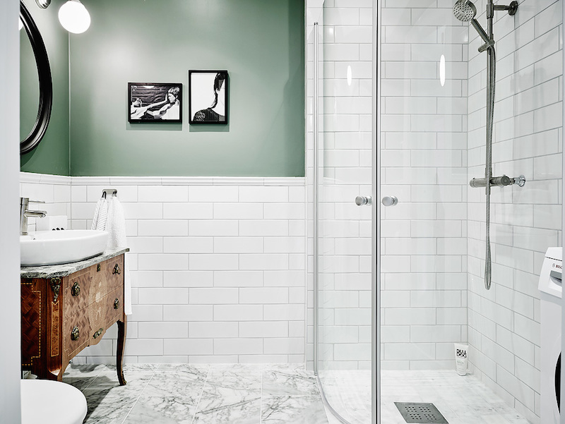 bathroom-white-green