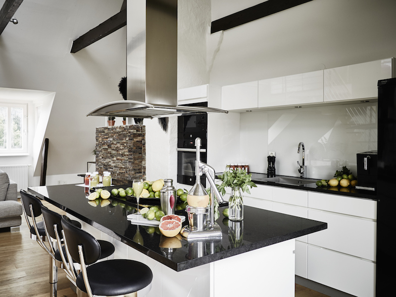black-white-kitchen-island