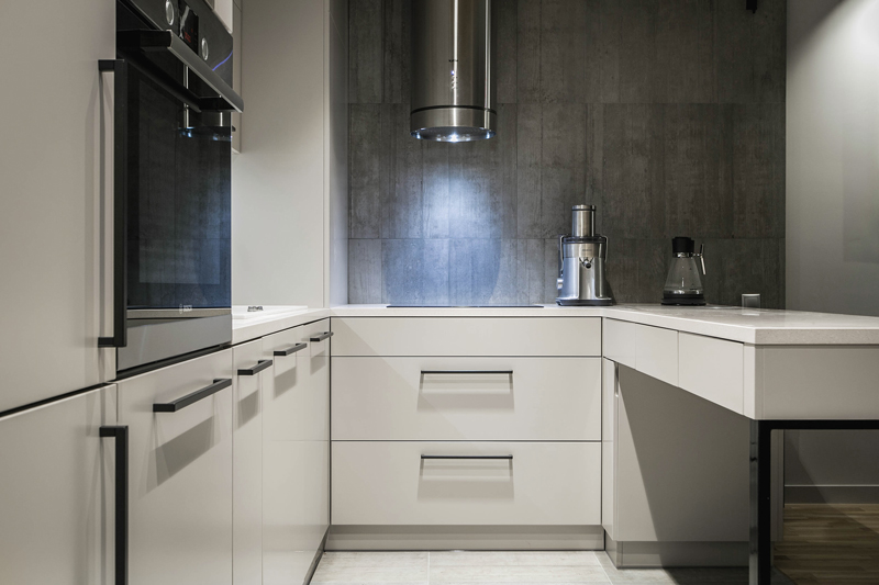 contemporary-apartment-kitchen-chrome-hoover