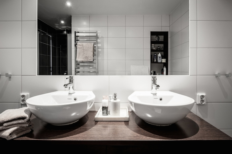 double-sink-bathroom