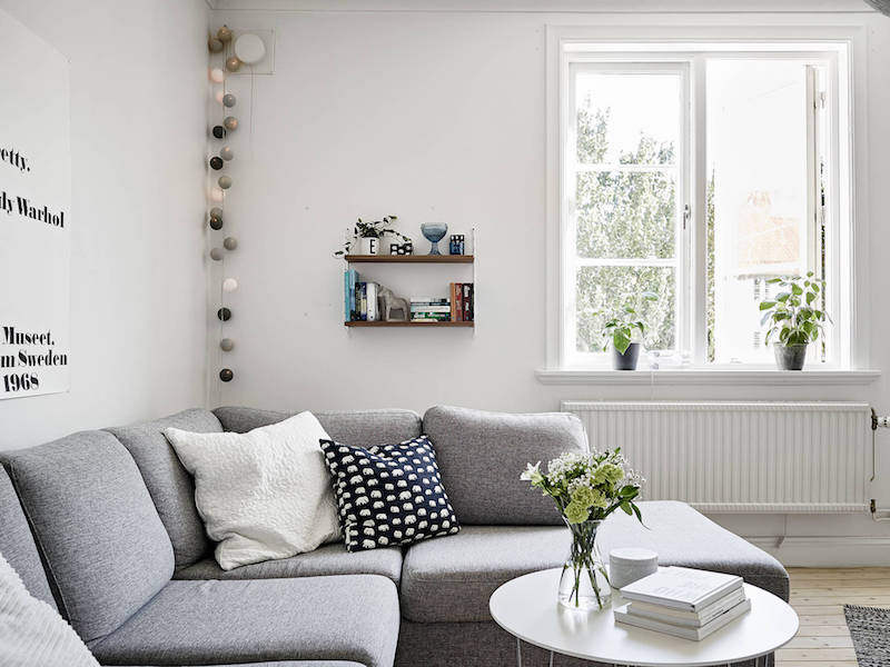 grey-and-white-colors-in-livingroom