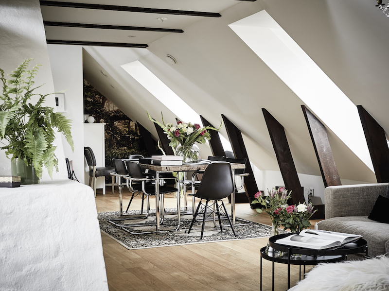 penthouse-with-loft-diningroom