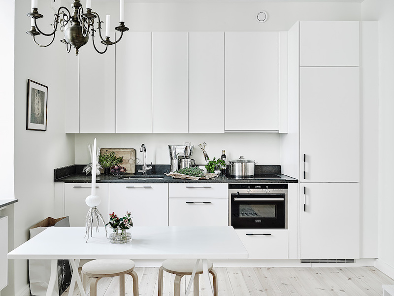 scandinavian-studio-apartment-kitchen
