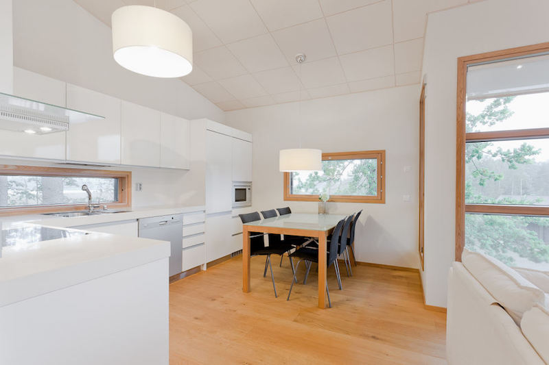 scandinavian-wood-white-kitchen