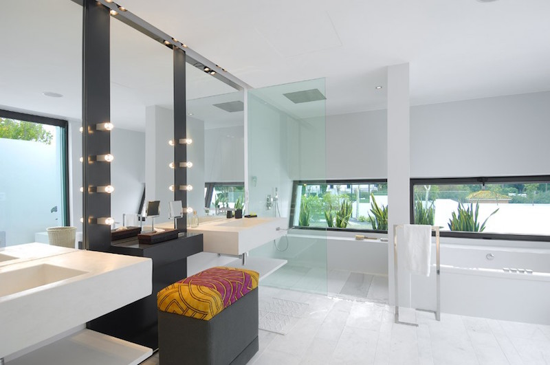 acero-house-sotogrande-bathroom