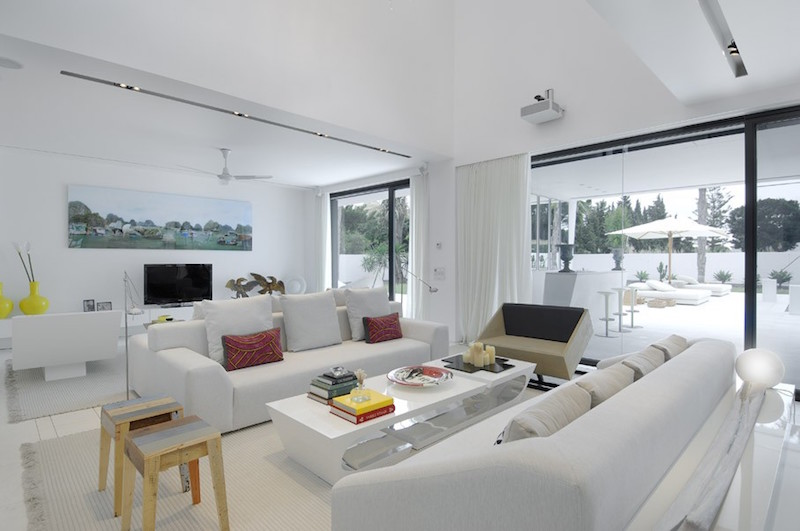 acero-house-sotogrande-white-interiors