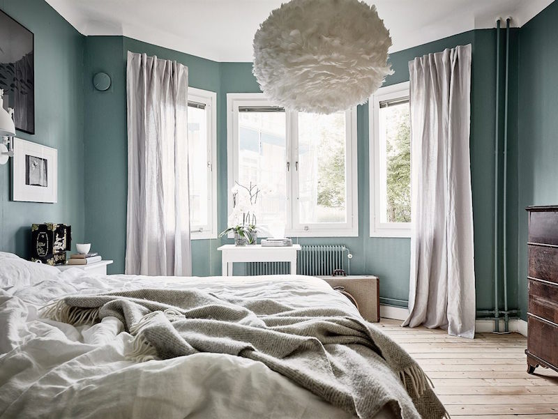 bedroom-design-mint-paint