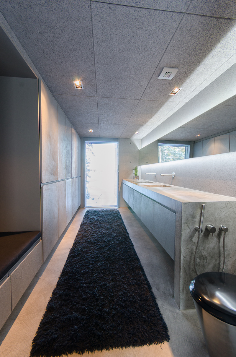 concrete-house-bathroom