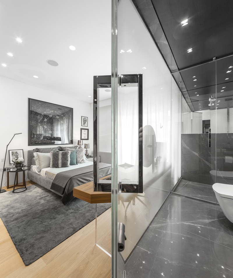 london-penthouse-bedroom-bathroom