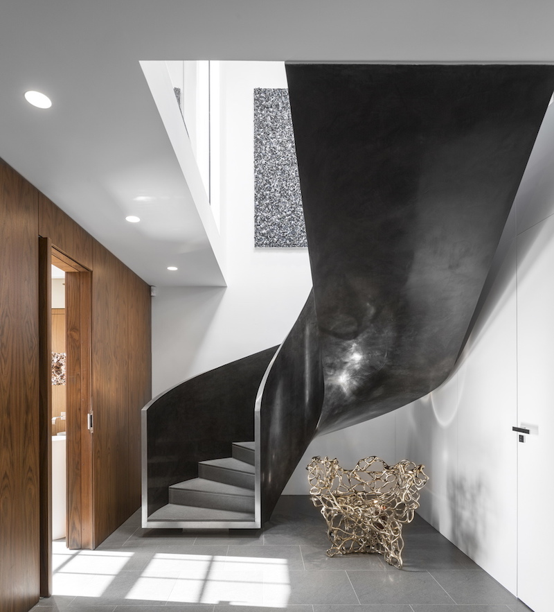 london-penthouse-staircase
