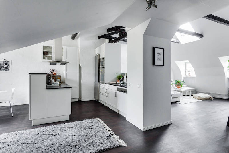 penthouse-apartment-white-kitchen