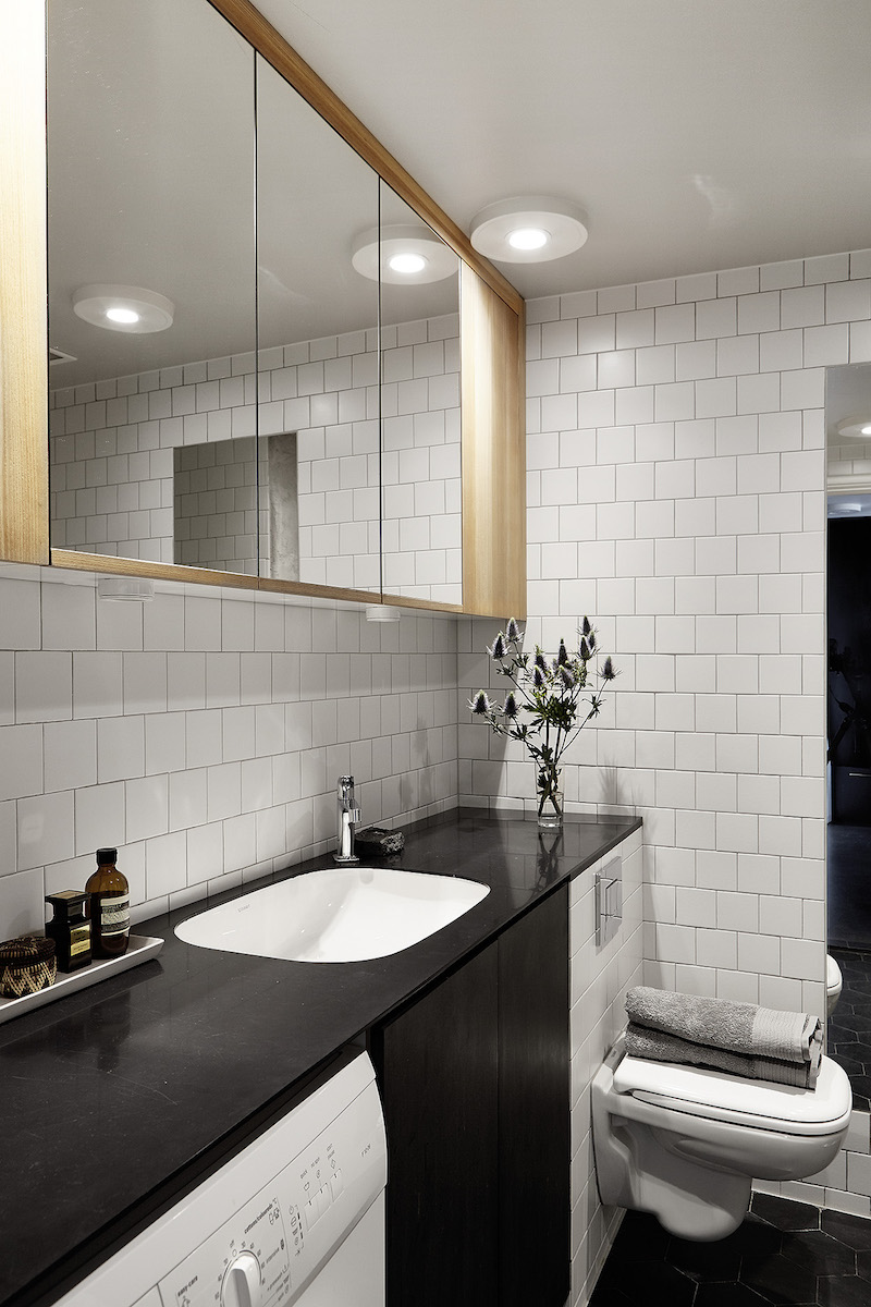 studio-apartment-bathroom
