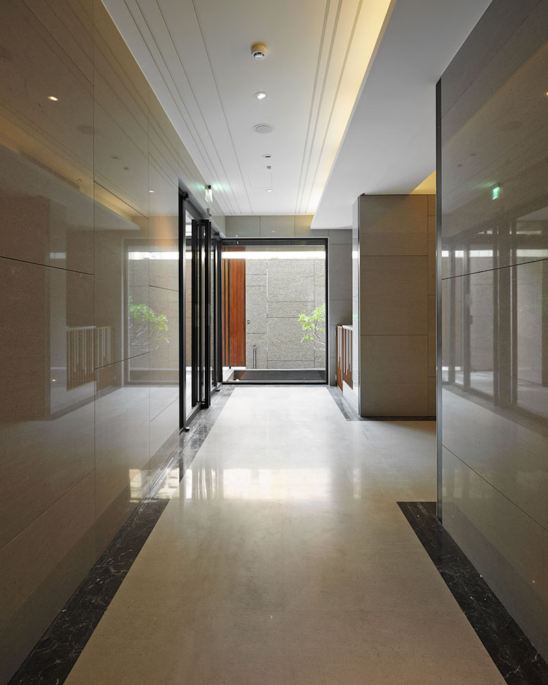taipei-home-yu-ya-ching-interior-design-hallway