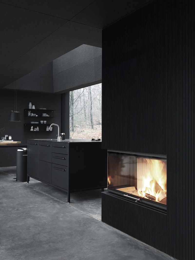 vipp-shelter-fireplace-livingroom