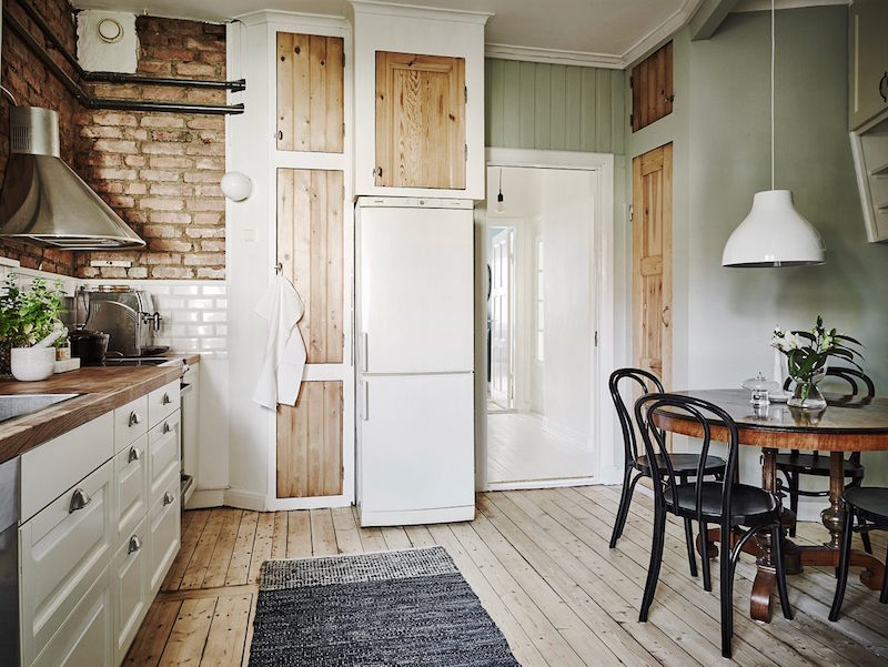 wood-cabinet-doors-kitchen