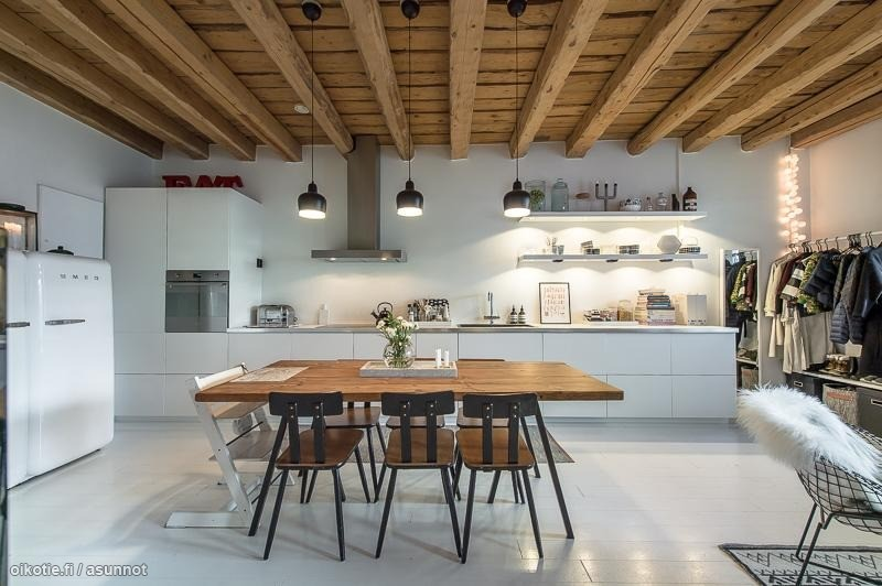 wooden-house-open-kitchen