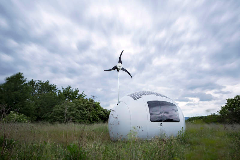 ecocapsule-solar-wind-power