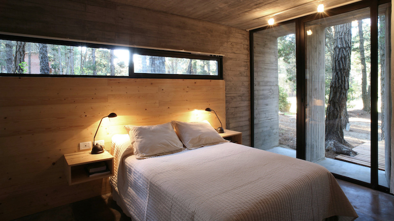 bed-concrete-house-besonias-almeida-architects