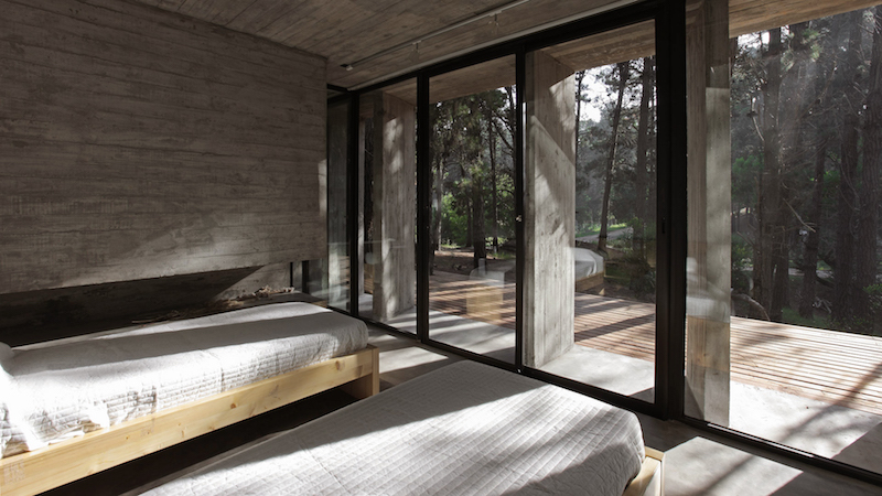 bedroom-concrete-house-besonias-almeida-architects