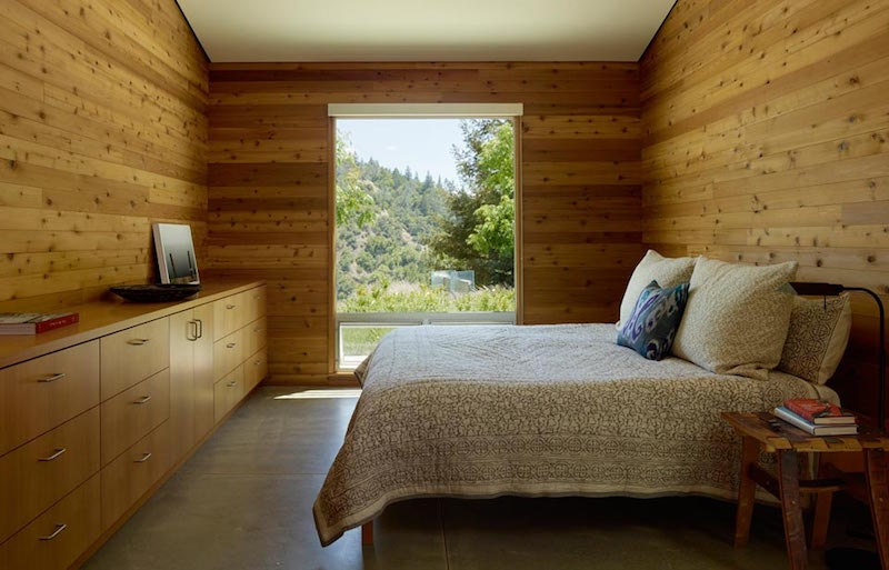 bedroom-sustainable-building-cloverdale-residence