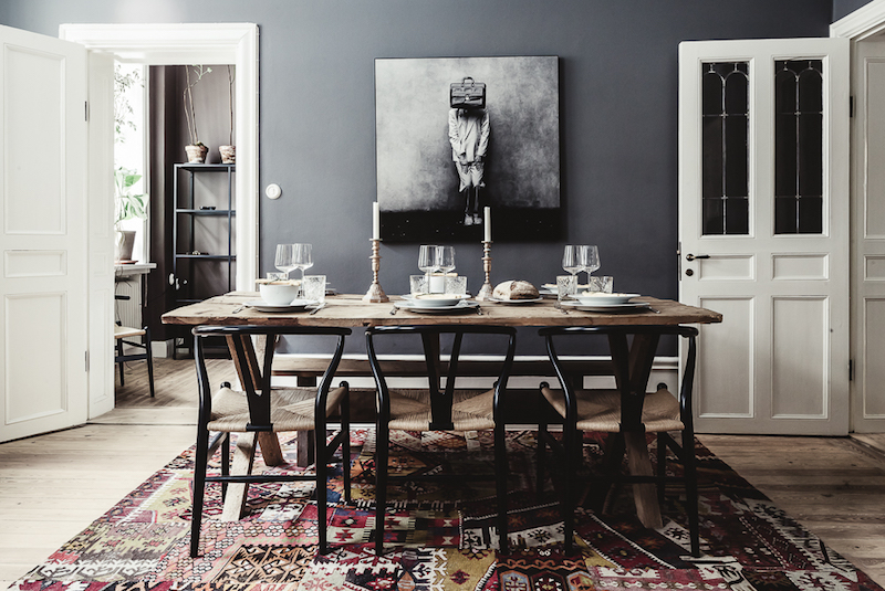 diningroom-interior-design-colors-contrast