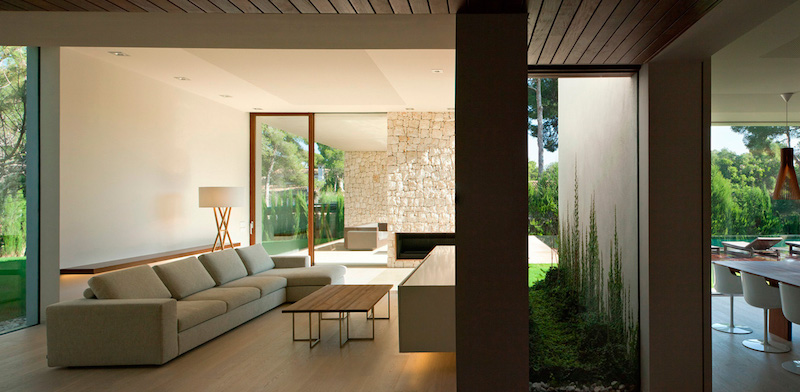 furniture-livingroom-the-forest-house-ramon-esteve-estudio