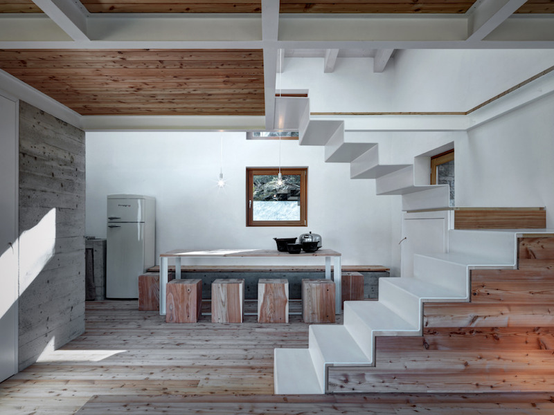 house-concrete-wood-interior-alfredovanotti