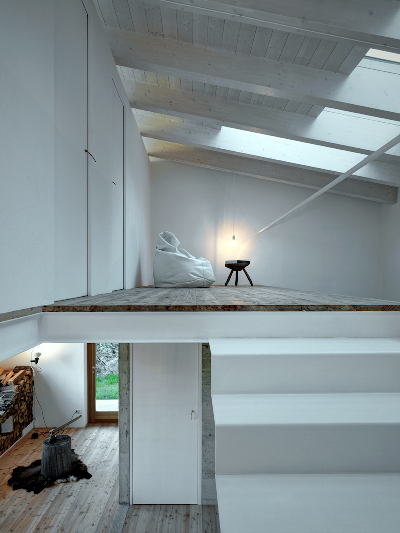 open-space-concrete-wood-interior-alfredovanotti