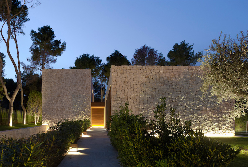 outdoor-lighting-the-forest-house-ramon-esteve-estudio