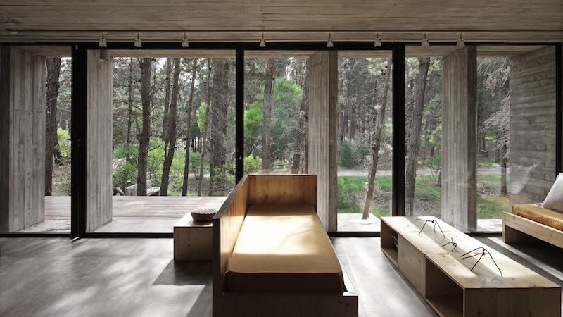 views-concrete-house-besonias-almeida-architects
