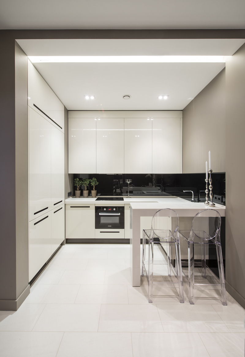 white-kitchen-apartmenthotel-alexandra-fedorova