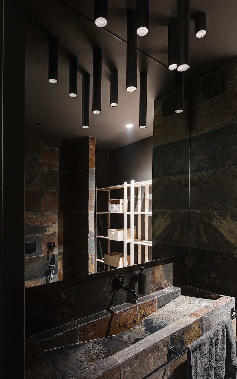 bathroom-decor-stylish-kiev-apartment-form-architects