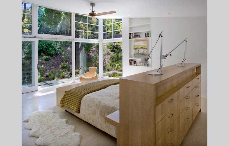 bedroom-house-connects-with-the-nature