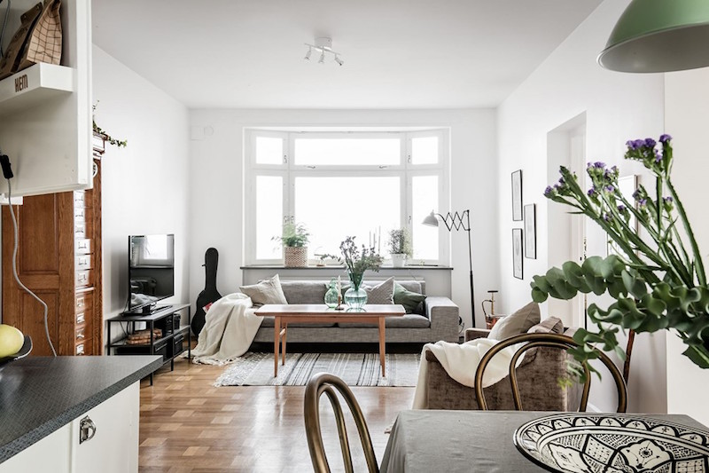 Modern vintage interior design in swedish apartment for Apartment design retro