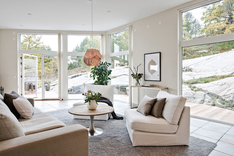 livingroom-natural-light-exclusive-swedish-home