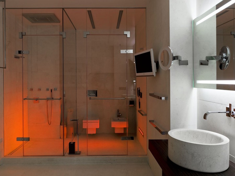 shower-fine-tuned-luxury-interiors