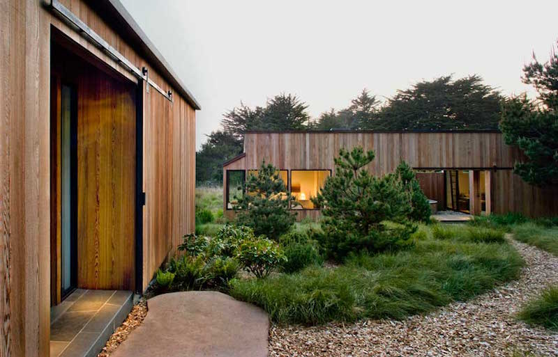 yard-sea-ranch-meadow-turnbullgriffinhaesloop-architects