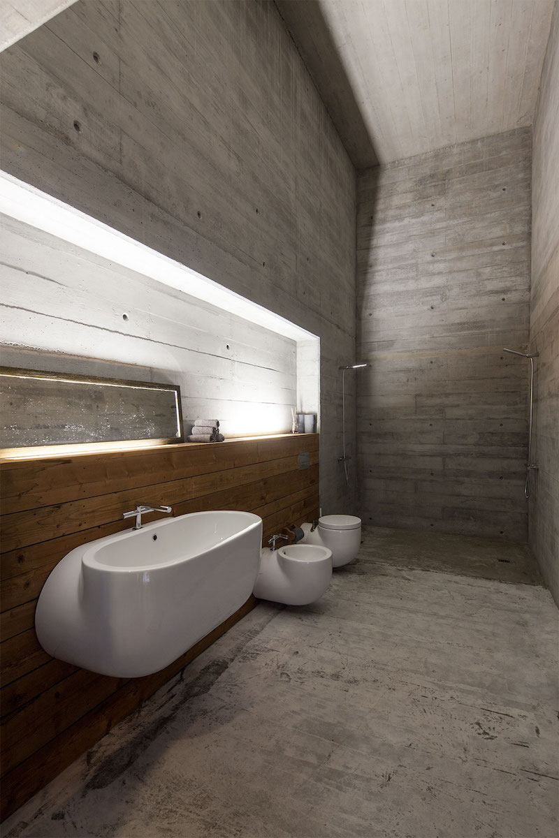 bathroom-geres-house-carvalhoaraujo