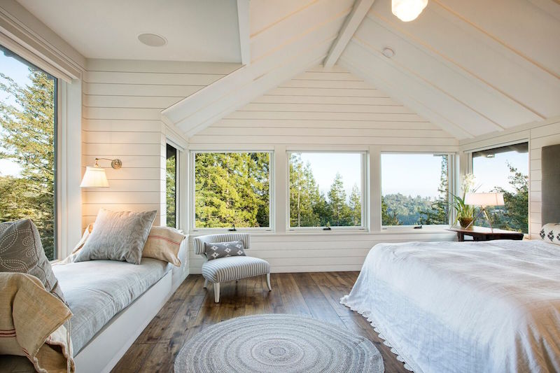bedroom-mountain-lodge-michael-rex-architects