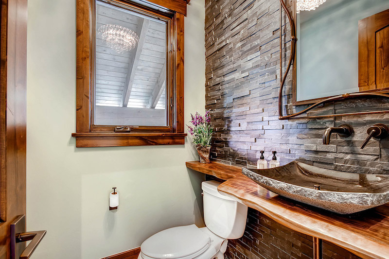 colorado-highwoods-shockhill-bathroom-decor