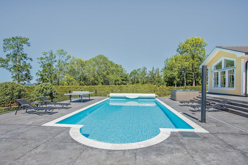 exclusive-scandinavian-villa-pool