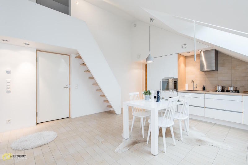 finnish-apartment-in-white-stairs