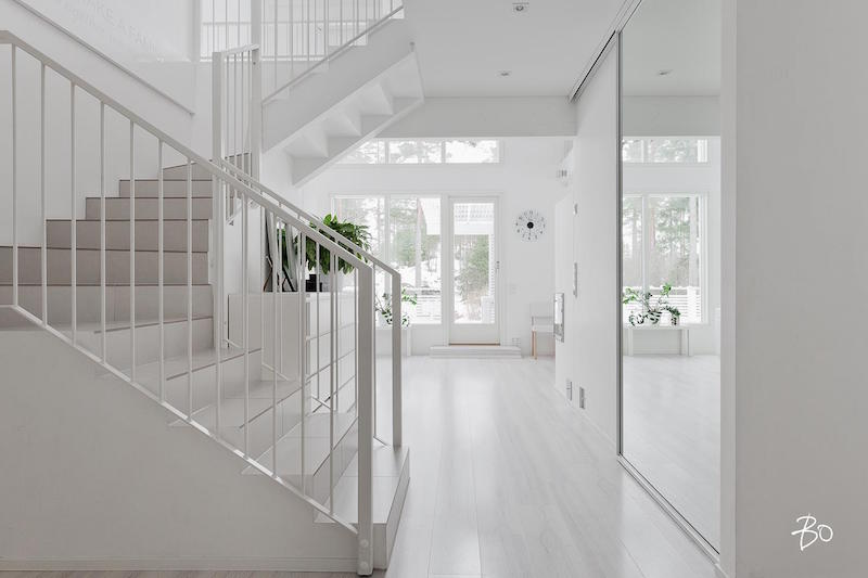 hallway-staircase-interior-design-white